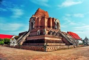 Wat_Chedi_Luang_02